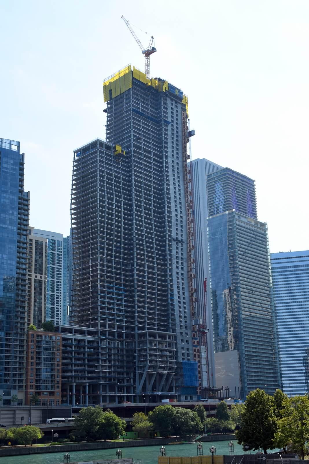 Vista Tower in Chicago under construction